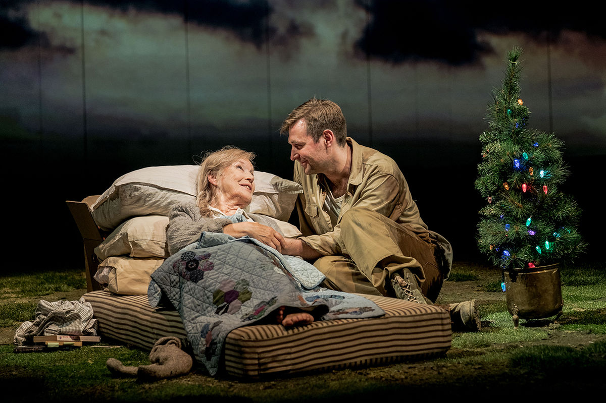 Ann Louise Ross And James Mc Ardle In Peter Gynt © Manuel Harlan