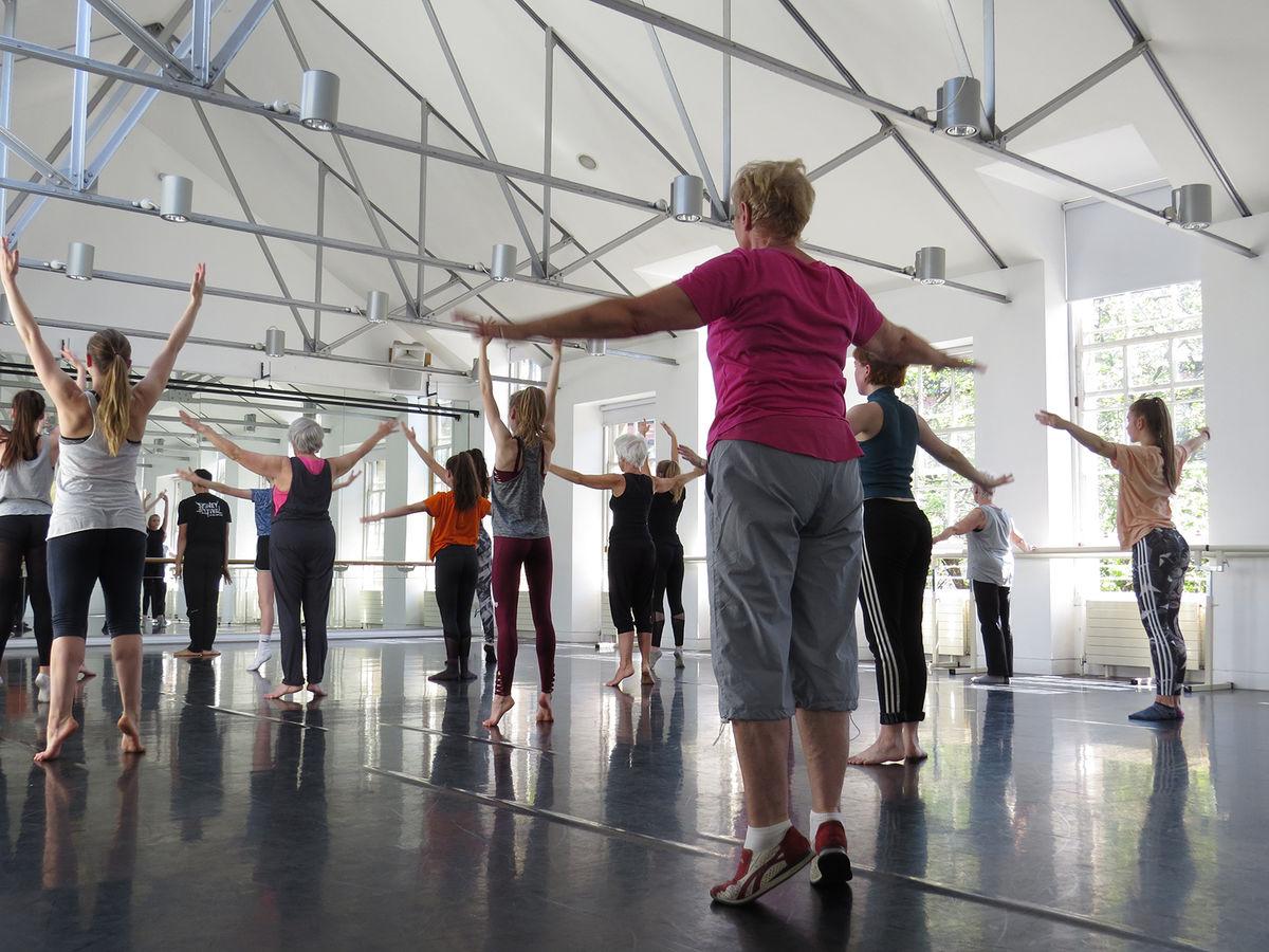 Wayne Mc Gregor Workshop Dance Base Copywright Allan Irvine 03